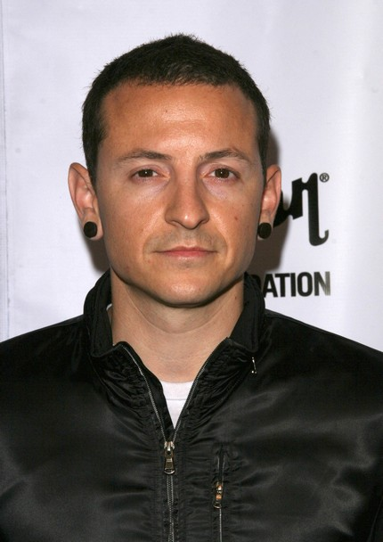 chester bennington 2003chester bennington 2017, chester bennington 2016, chester bennington system, chester bennington wife, chester bennington tattoos, chester bennington walking dead, chester bennington family, chester bennington instagram, chester bennington 2003, chester bennington let down, chester bennington vocal range, chester bennington young, chester bennington height, chester bennington 2000, chester bennington net worth, chester bennington twitter, chester bennington art, chester bennington 2014, chester bennington vk, chester bennington system lyrics